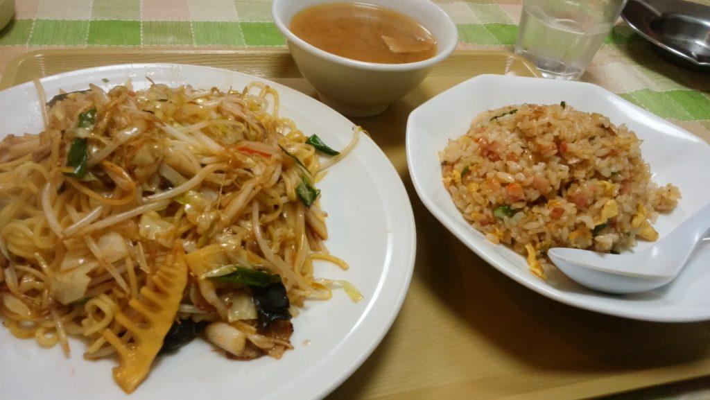 中華料理 善の焼きそばと炒飯